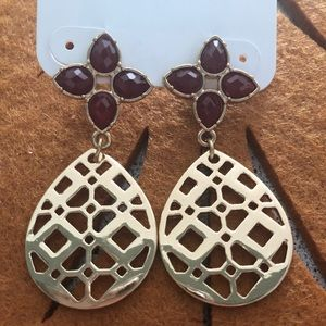 Burgundy stone and gold drop earrings